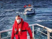 Kumburgaz önlerinde sürüklenen tekne kurtarıldı