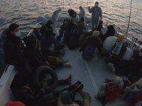 İzmir'de 44 düzensiz göçmen kurtarıldı