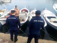 Sahil Güvenlik ekipleri, Kuşadası Körfezi'ni havadan ve denizden denetliyor