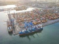 Roseline A isimli konteyner gemisi, Alsancak Limanı'na demir attı