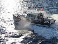 Karataş açıklarında sürüklenen tekne kurtarıldı