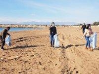 Kumköy'de plaj temizliği yapıldı
