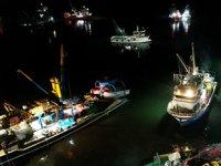 İğneada'da 250 tekne hamsi peşine düştü
