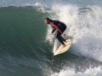 Alanya'da sörfçüler, deniz keyfi yaptı