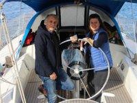 Evlerini satıp tekne kiralayarak denize açılan çift, 6 yıldır 'mavi dünya'da yaşıyor