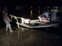 Karasu'da fırtına tekne halatlarını kopardı
