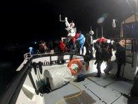 Dikili açıklarında 19 düzensiz göçmen kurtarıldı