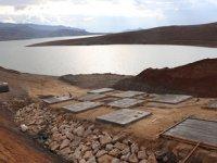 Botan Çayı'nda feribot seferleri için iskelesi inşa ediliyor