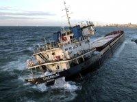 Zeytinburnu'nda karaya oturan geminin açık artırma ile satışı ve sökümü yapılacak