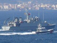 İspanyol mayın avcı gemisi, Çanakkale Boğazı'ndan geçti