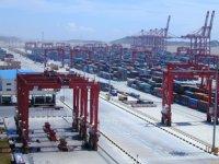Ticaret savaşı denize sıçradı, Çin konteyner topluyor