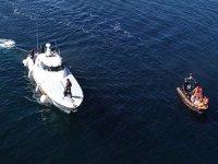 Gökçeada açıklarında batan teknedeki tim komutanı için arama çalışmaları devam ediyor
