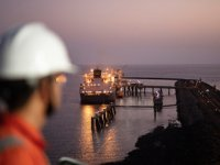 Shell, LNG ikmal filosunu genişletiyor