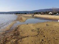 Erdek sahilinde deniz suyu 20 metre çekildi
