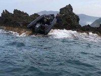 Mersin'de göçmenleri taşıyan tekne kayalıklara çarptı
