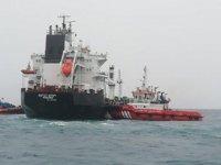 Bozcaada'da karaya oturan 'Kemet Star' isimli gemi,  kurtarıldı