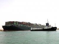 Süveyş Kanalı'ndaki deniz trafiği yeniden durduruldu