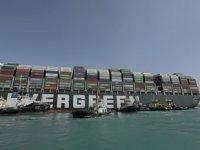 Ever Given gemisi yüzdürüldü, Süveyş Kanalı kısmen açıldı