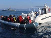 Yunanistan'ın ölüme terk ettiği 231 düzensiz göçmen kurtarıldı