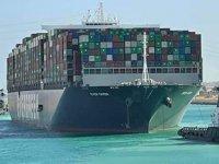 Süveyş Kanalı'nın kılavuz kaptanları da soruşturma altına alındı