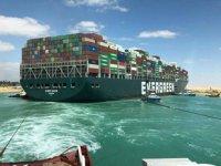 Süveyş Kanalı, deniz trafiğine tamamen açıldı