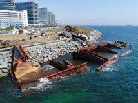 'STREAMLINE' isimli gemi, su altında parçalanıyor