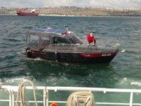 Ambarlı açıklarında sürüklenen tekne kurtarıldı