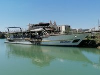 Manavgat'ta çekek yerindeki teknelerde yangın çıktı