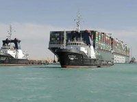 Süveyş Kanalı'nı kapatan gemi için 900 milyon dolar tazminat talep edildi