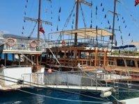 Kuşadası'nda gezi tekneleri sezona hazırlanıyor