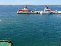 Çanakkale Boğazı'ndaki deniz salyaları şiddetli poyrazla dağıldı