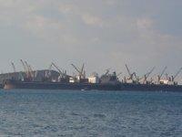 Aliağa limanlarına yılın ilk 4 ayında bin 801 adet gemi yanaştı