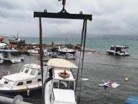 Dikili'de fırtına nedeniyle 26 adet tekne battı
