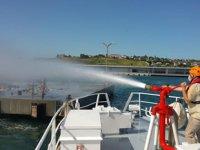 Gürpınar Su Ürünleri Hali'nde balıkçı ağları yandı