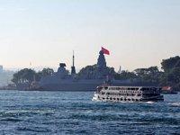 İngiliz savaş gemisi, Sarayburnu'na demirledi