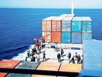 Uğur Dadaylı gemisinin kurtardığı göçmenler yüzünden uluslararası kriz çıktı