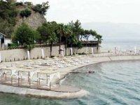 Ücretsiz Halk Plajı'nda şezlong parası kavgası yaşandı