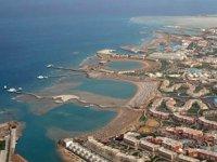 Hurgada Limanı'nda olumsuz hava şartları nedeniyle faaliyetler durduruldu