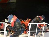 Balıkesir açıklarında 8 düzensiz göçmen kurtarıldı