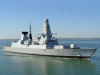 Rusya, İngiliz savaş gemisine uyarı ateşi açtı