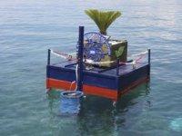 Aydın Büyükşehir Belediyesi, yüzer çöp kovası üretti