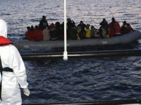 İzmir açıklarında 32 düzensiz göçmen kurtarıldı