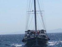 Makine arızası yapan tekne, Datça açıklarında sürüklendi