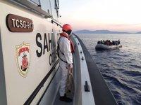 Kuşadası açıklarında 35 düzensiz göçmen kurtarıldı
