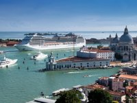 Yolcu gemilerinin Venedik'e girişi yasaklandı