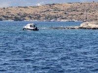 Bodrum'da kayalıklara oturan tekne kurtarıldı