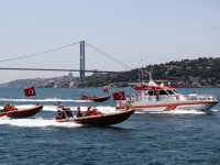 Kıyı Emniyeti, İstanbul Boğazı'nda 'Saygı Seyri' gerçekleştirdi