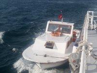 Beşiktaş açıklarında sürüklenen tekne kurtarıldı