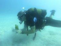 Kaş Kaymakamı Şaban Arda Yazıcı, Kaş Liman Ağzı Koyu'nda dalış yaptı