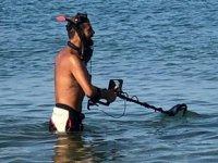 Tatilciler gitti, define avcıları sahillere indi